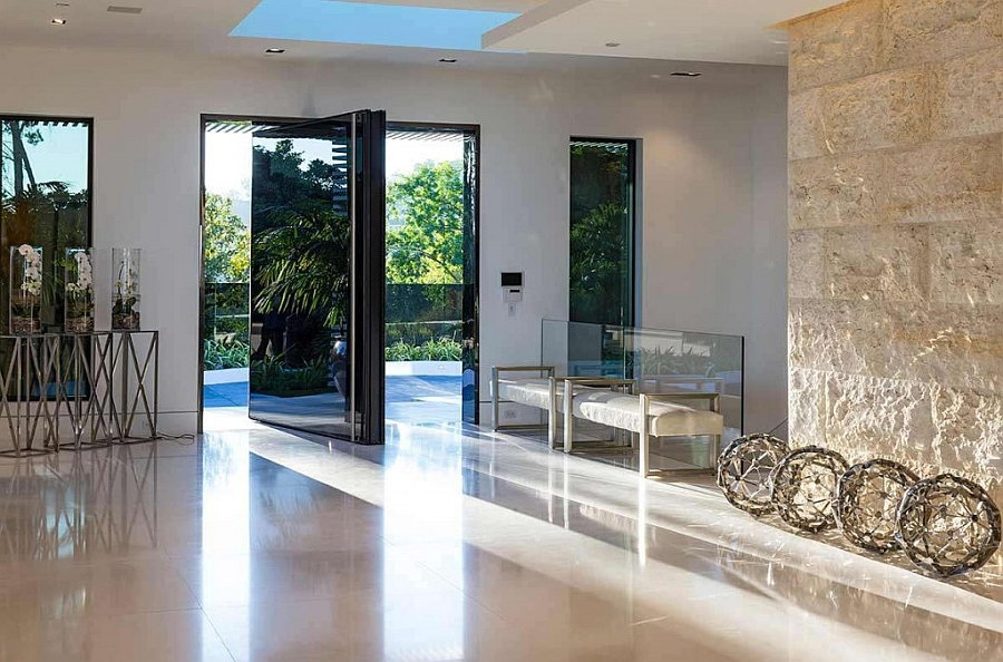 Grand-entrance-to-the-best-bachelor-pad-in-the-world